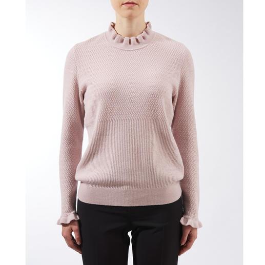 Mustermix-Rüschenpullover Rüschen, Mustermix, Pudertöne: 3 Trends – und doch nie zu plakativ. Der modische Pullover für weit mehr als eine Saison.