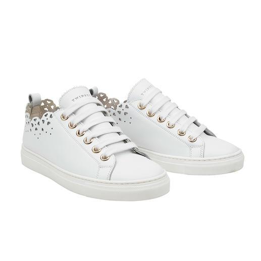 TWINSET Spitzen-Sneaker Außergewöhnlich feminin: der weiße Sneaker mit Cut-Out-Spitze. Von TWINSET.