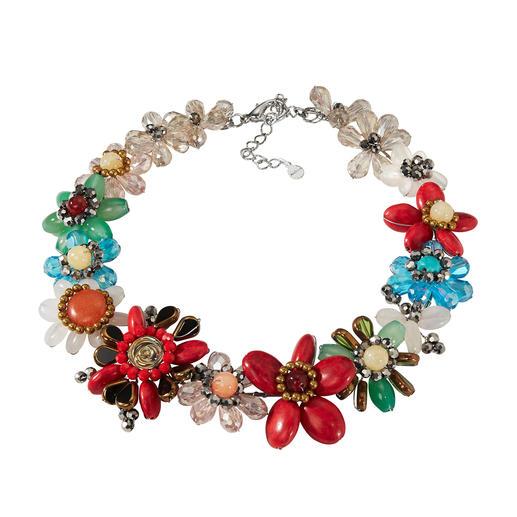 Smitten Statement-Kette - Aufwändig aus einzelnen Perlen handgearbeitet statt massengefertigt.