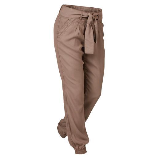 Die perfekte Freizeit- und Urlaubshose. Die perfekte Freizeit- und Urlaubshose: Modische Joggpants-Form. Sommerleichtes Tencel®-Gewebe.