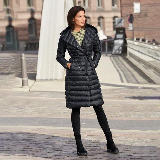 Perfekt Der Feminine Leichtdaunen Mantel Vom Kanadischen Premium Label Pajar®.