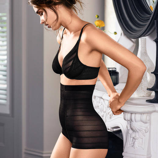 Wacoal Shape-Tüll-Kleid, -BH oder -Panty Die zeitgemäße Tüll-Shapewear vom japanischen Wäschespezialisten Wacoal.