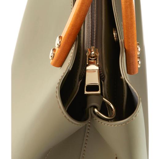 """Inyati Olive Handtasche Die elegante, puristische Handtasche von Inyati, dem deutschen """"Label to watch""""."""