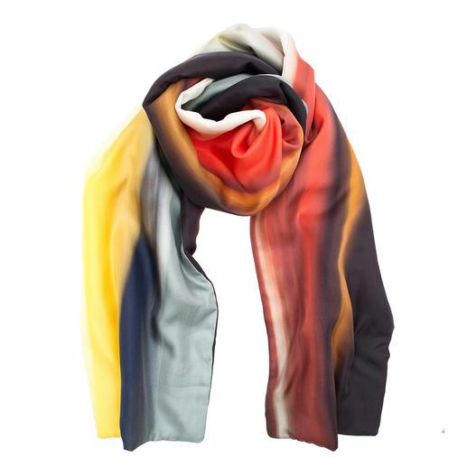 Der elegante Seidenschal für die kalte Jahreszeit. Der elegante Seidenschal für die kalte Jahreszeit. Mit wärmendem Vlies-Futter. Von Abstract, Italien.