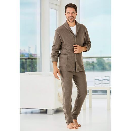 Der Homesuit für den Gentleman: Italienischer Jersey. Eleganter Schnitt. Modische Details. Von Zimmerli, der traditionsreichen Schweizer Feinstrickerei von 1871.