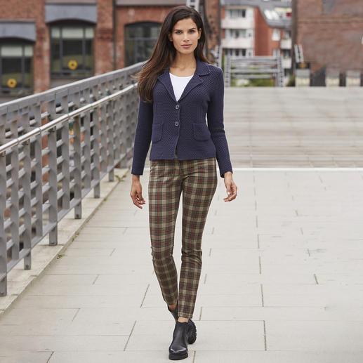 Recover Tartan-Skinny-Jeans Trotz Skinny-Form und Karo-Muster nicht Punkrock-verdächtig: die Tartan-Jeans von Recover.
