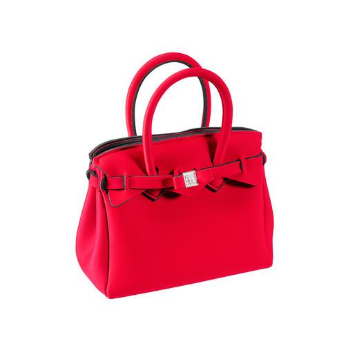Klassischer Look, innovatives Material: Diese ultraleichte Handtasche wiegt nur 215 Gramm. Klassischer Look, innovatives Material. Wiegt nur 215 Gramm. Vom Kultlabel Save My Bag.