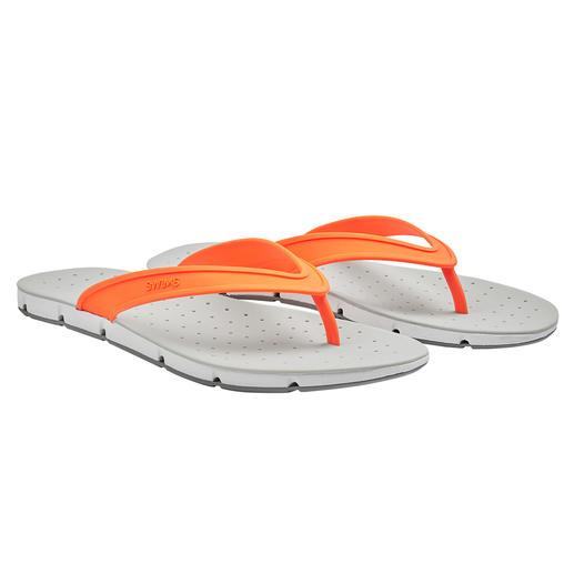SWIMS Bade-Sandale Breeze Die Badesandale Breeze bringt sogar Luft von unten an Ihre Sohlen. Rundum Open-Air für Ihre Füße.