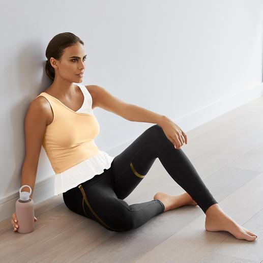 Mandala Layer-Top oder Gold-Print-Leggings Bequem genug für Yoga, Tai Chi und Couch. Chic genug für die nobelsten Spas und Studios. Von Mandala, München.