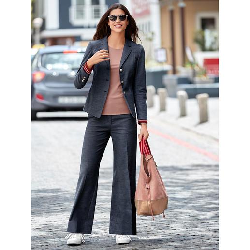 Benbarton Jeansanzug-Blazer oder -Hose Jeansanzug-Update 2019: Edel-Denim plus Sportswear-Detail. Seriös genug fürs Business. Lässig genug für die Freizeit.