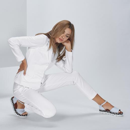 Der extrem sprungelastische Stretch-Jersey macht jede Bewegung mit.
