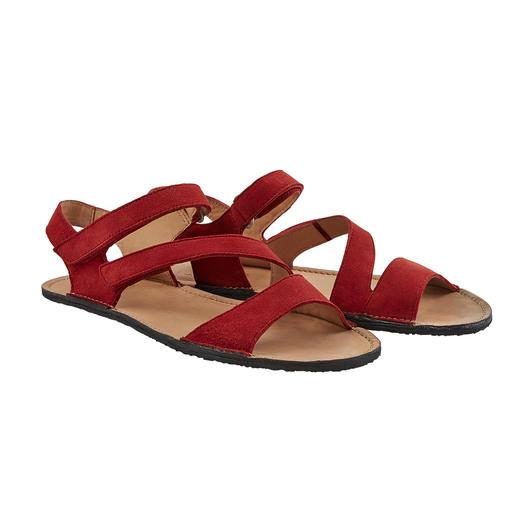 Barfuß-Feeling fernab vom sportlichen Wander-Look. Die Sandale mit Barfuß-Feeling - fernab vom sportlichen Wander-Look.
