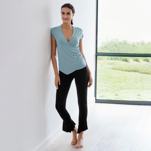 Curare Yoga-Wickelshirt oder -Volant-Pants Weit mehr als nur ein Yogasuit: Dies ist Wellness zum Anziehen.