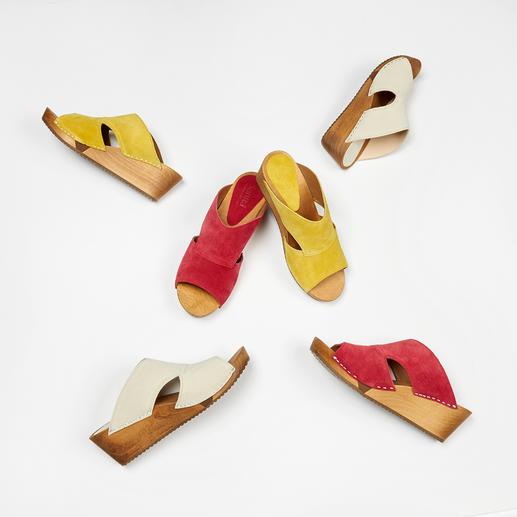 """Sanita® Holz-Pantoletten """"Hygge"""" für Ihre Füße: modische Holz-Pantoletten aus weichem Veloursleder und mit komfortabler Flex-Sohle."""