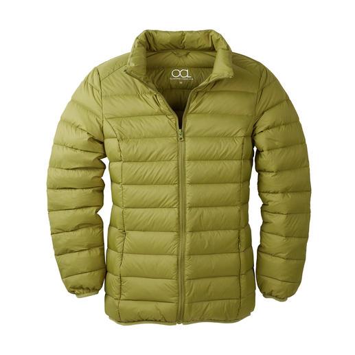 Die modische Jacken-Rarität aus recycelten Daunen. Viel Wärme. Wenig Gewicht. Und ein gutes Gewissen.