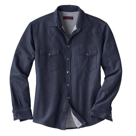 """Das Jeanshemd, das  auch """"Winter"""" kann. Aus weichem Flanell gearbeitet. Und so warm, dass Sie es auch als Overshirt tragen können."""