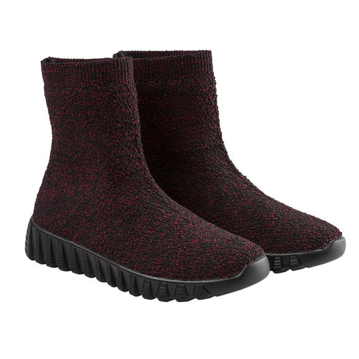 "Der Fashion-Hit aus New York: ultraleichte Knit-Boots vom ""Master of woven Footwear"", bernie mev. Bequemer, leichter und luftiger können gestrickte Boots kaum sein."