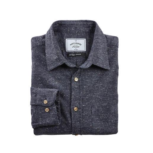 Trotz kernigem Tweed-Look angenehm weich. Dank seltenem Material ideal fürs ganze Jahr. Das Baumwoll-Seiden-Hemd im angesagten Donegal-Stil.