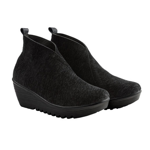 bernie mev. Samt-Wedges - Bequemer, leichter und luftiger können modische Keilabsatz-Schuhe kaum sein.