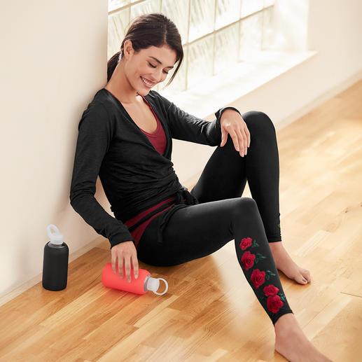 Mandala Rosen-Leggings, Wickelshirt oder Raff-Top - Bequem genug für Yoga, Tai Chi und Couch. Chic genug für die nobelsten Spas und Studios.