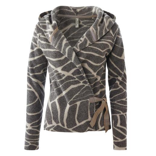 Selten ist Fleece so schick und ladylike. Die  feminine und stilvolle unter den Fleece-Jacken. Skandinavisches Design von Henriette Steffensen, Kopenhagen.