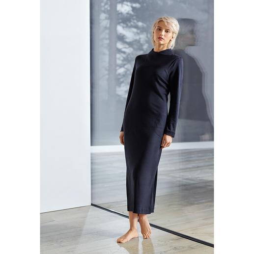 Die wohl modischste Interpretation des gemütlichen Loungewear-Kleids. Clean-Chic. Slim-Cut. Maxi-Länge. Trend-Ton.
