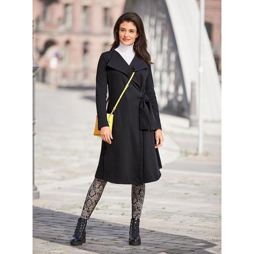 Businesstauglicher Jersey-Mantel oder edle Loungewear? Beides! Businesstauglicher Jersey-Mantel oder edle Loungewear? Beides!