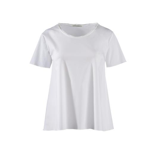 Edler als die meisten: das weiße Basic-Shirt aus feinem Blusenstoff. Edler als die meisten: das weiße Basic-Shirt aus feinem Blusenstoff.