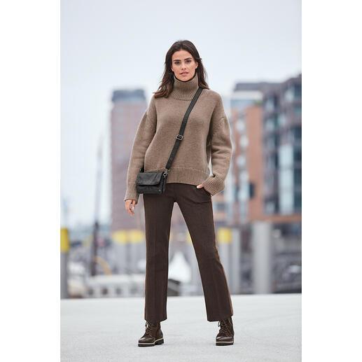 Liebling der Fashion-Crowd: der bezahlbare Kaschmir-Sweater von Zoe Ona. Liebling der Fashion-Crowd: der bezahlbare Kaschmir-Sweater von Zoe Ona.