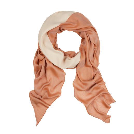 Ihr perfektes Accessoire zu den angesagten überlangen Mänteln, Cardigans und Kleidern. Der große Rauten-Schal, den Sie auch als Stola oder Umhang tragen. Made in Italy von Abstract.