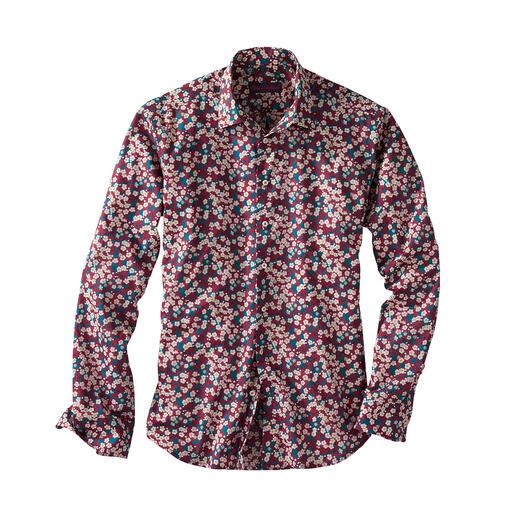 Das florale Gentleman-Hemd: Bei allen anderen Trend. Bei Liberty™ Tradition seit über 140 Jahren. Das florale Gentleman-Hemd: Bei allen anderen Trend. Bei Liberty™ Tradition seit über 140 Jahren.