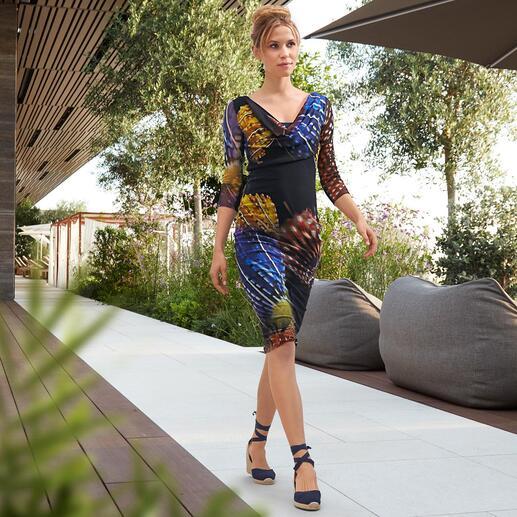 Das Designerkleid für die Handtasche. Und für fast jeden Anlass. Aus hauchzartem Tüll-Jersey. Wiegt nur 180 Gramm. Von Fuzzi, Italien.