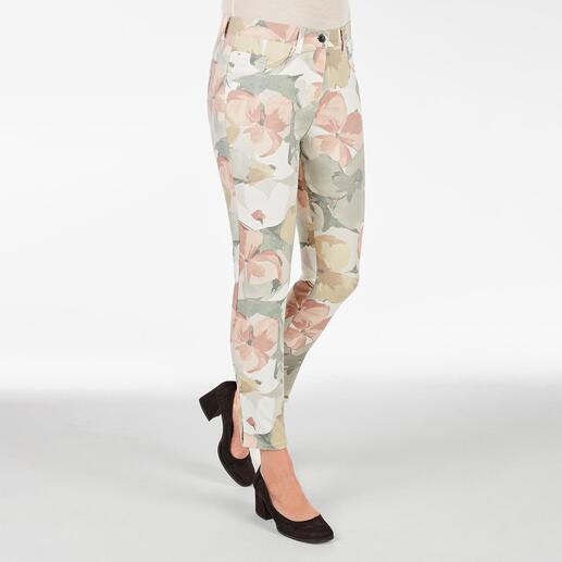 Die Zauberbund-Hose von RAPHAELA-BY-BRAX. Ihre wohl bequemste Hose: Nicht sichtbare Bundweiten-Reserve plus Power-Stretch-Effekt.