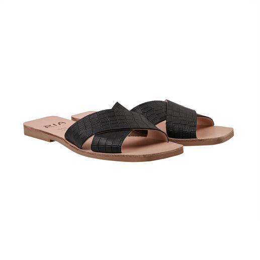 Die modischen Cross-Strap-Flats vom Hersteller der original Avarcas: RIA Menorca, seit 1947. Aktuelle Trend-Designs. Traditionelles, menorquinisches Schuh-Handwerk.