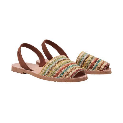 Der traditionelle Sandalen-Klassiker aus farbenfroh geflochtenem Raffia-Bast. In aktuellen Trendfarben. Handgefertigt von RIA Menorca, seit 1947.