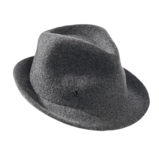 Der Damen-Hut in angesagter Trilby-Form: für mehr Tragekomfort gewalkt statt gefilzt. Viel dehnbarer – aber unvermindert formstabil. Von Loevenich, Hutspezialist seit 1960.