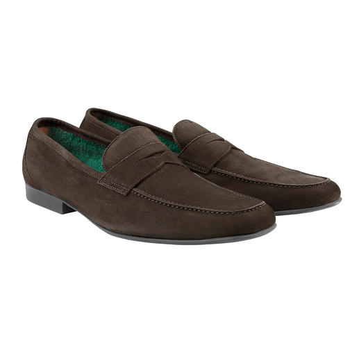 Frottee-Futter macht diesen Mokassin zum idealen Barfuß-Schuh. Frottee-Futter macht diesen Mokassin zum idealen Barfuß-Schuh. Von Fratelli Rossetti.