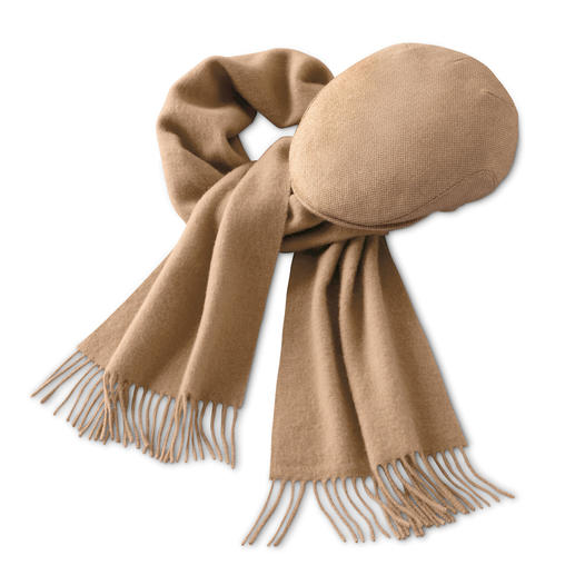 Der Schal und die Mütze aus feinem Kamelhaar. Wunderbar weich und wärmend. Ideal auch für empfindliche Haut.