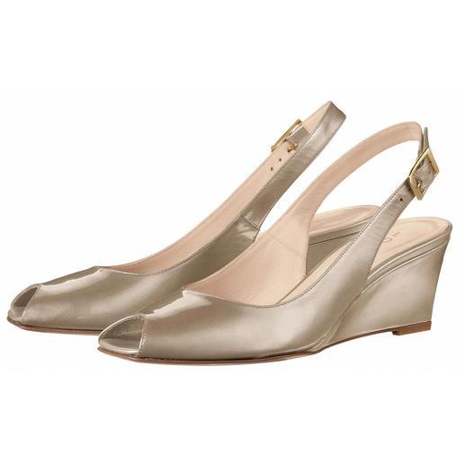 Lorbac Keilabsatz-Sandalette Aus weichem Lackleder. Jedoch formtreu und resistent gegen Knick- und Bruchstellen.