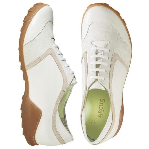 Weiße Sommer-Sneaker Egal ob Sie lange gehen, stehen oder laufen, die Stoß absorbierende Latexsohle hält müde Füße länger munter.