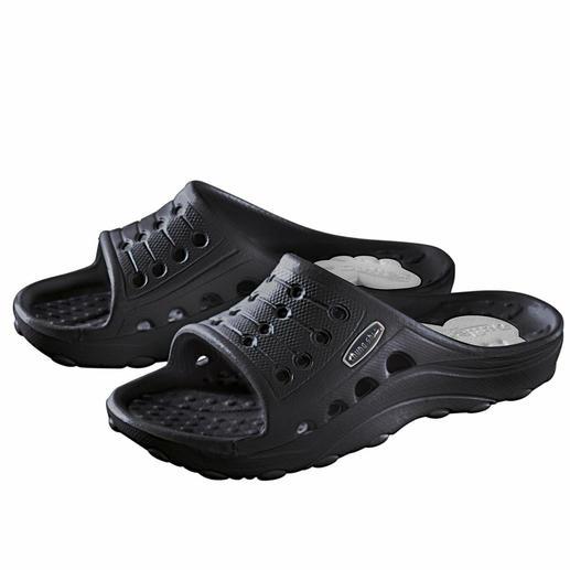 Die Pantolette, in der sich Ihr Fuß sein eigenes Fußbett formt. Ultraleichtes, antibakterielles Duflex-Material aus thermoaktivem Zell-Kautschuk. Wiegt nur 85 Gramm.