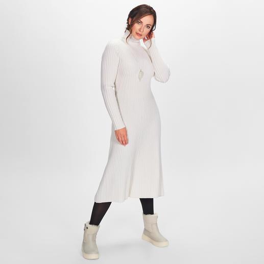 Strenesse Rippstrick-Kleid Top-Trends: Strickkleider, Rippenstrick und die Farbe Offwhite. Perfekt kombiniert von Strenesse - eleganter und femininer als viele andere.