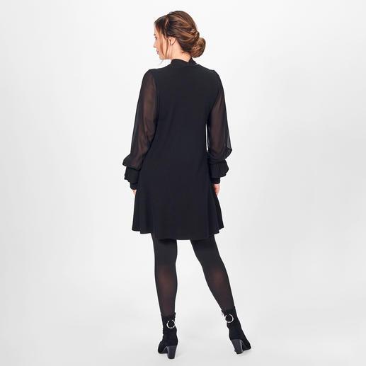 TWINSET Black-Dress Modische Allianz aus Strick, seidig fließender Viskose und Statement-Ärmeln: das vielseitige Black-Dress von TWINSET.