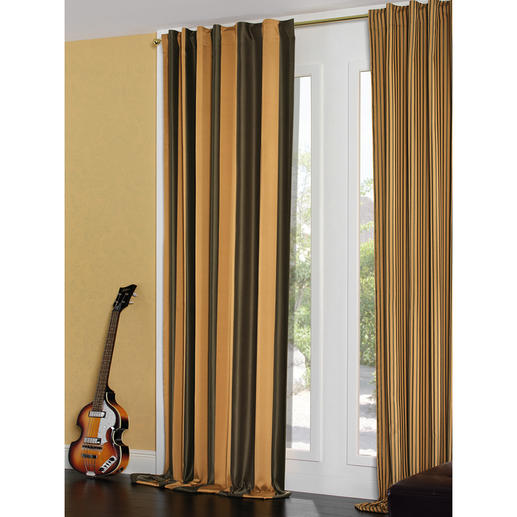 """Vorhang """"Roma"""", 1 Vorhang Dieser edle Satin verdunkelt auch die Fenster des ersten offiziellen Beatles-Hotels in Liverpool."""