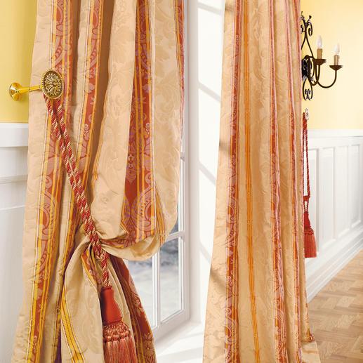 """Vorhang """"Le Roi"""", 1 Vorhang Ein königliches Kleinod: feudaler Streifendamast mit barocken Ornamenten."""