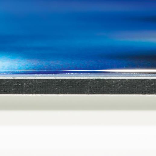 Das Werk auf DIBOND® wird mit einem klaren Kompositharz ummantelt, das die optische Tiefenwirkung verstärkt und die Farben intensiv leuchten lässt.