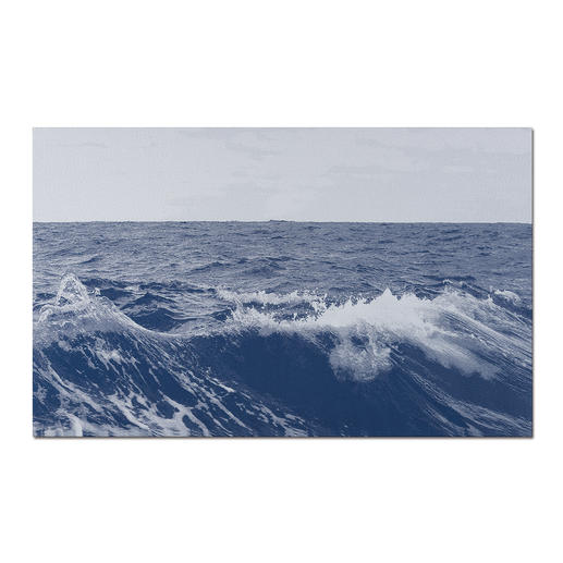 Sonja Weber – Meereshorizont Gewebte Atlantikwellen: Wann wird diese Kunst in Museen erscheinen? Aufwändig gewebt. Nur 12 Unikate – exklusiv bei Pro-Idee. Maße: 110 x 68 cm