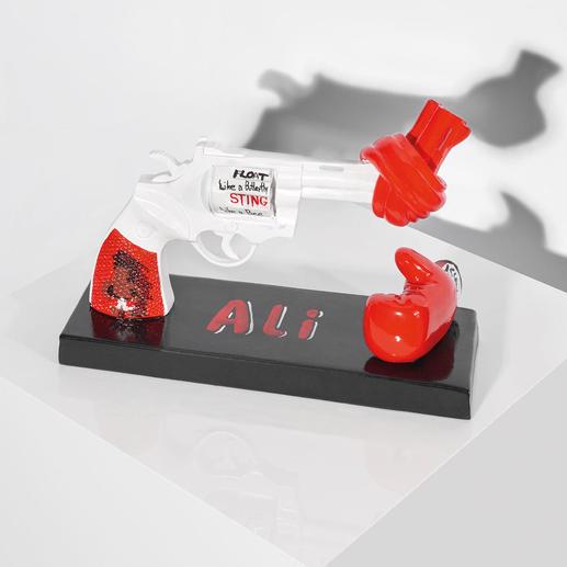 """Carl Fredrik Reuterswärd / Muhammad Ali – Knotted Gun - Punch for Peace - Carl Fredrik Reuterswärd: Der Bildhauer des Friedens.  """"Knotted Gun"""" – das Monument des Gewaltverzichts in einer Interpretation von Muhammad Ali. 499 Exemplare. Maße: 19 x 14,4 x 5,5 cm"""