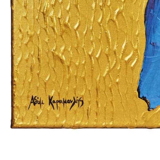 Der komplette goldene Hintergrund und die roten Blumen wurden haptisch von Hand gemalt.