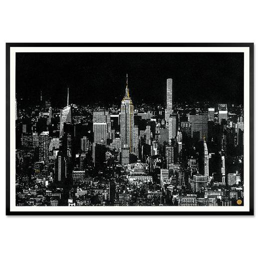 Tim Bengel – New York Skyline Tim Bengel: Seine einzigartigen Originale aus Sand und Gold erobern die Kunstwelt. Erste Edition. Von Hand veredelt. 25 Exemplare. Maße: gerahmt 120 x 84 cm
